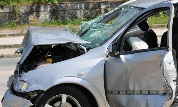 Наши коли се удариха в Сърбия, двама души загинаха