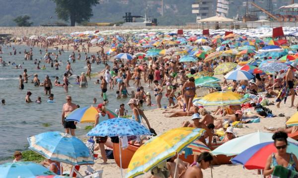 Виси ли летният сезон на косъм? 103 плажа – неохраняеми