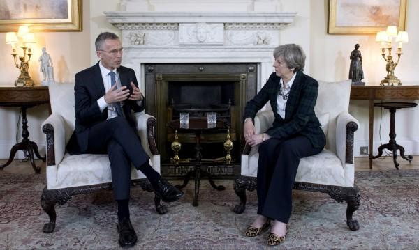 НАТО обмисля изпращане на още военни в Афганистан
