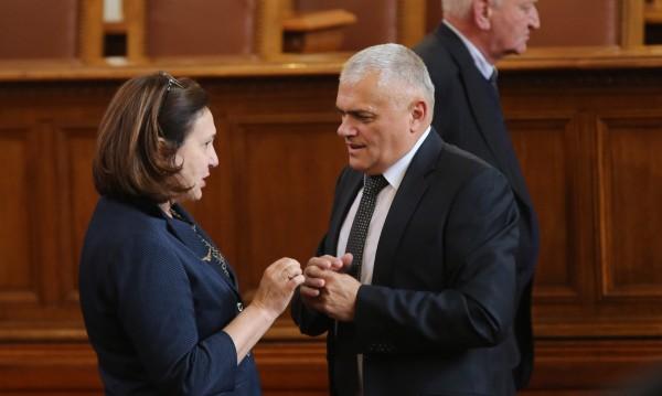 Новият МВР шеф изпрати с благодарност заместник-министри