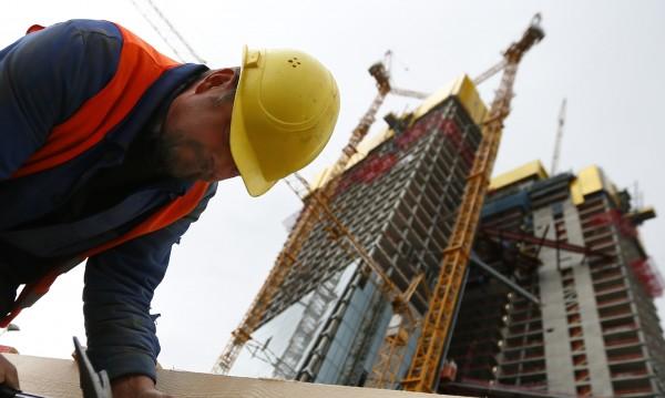 Жилищните сгради намаляват, новите къщи са повече