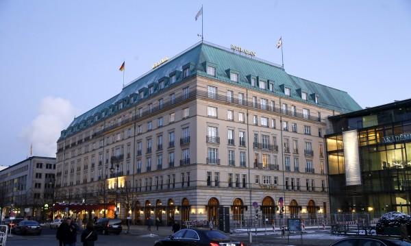 """Служители на хотел """"Адлон"""" в Берлин присвоили над €1 млн."""