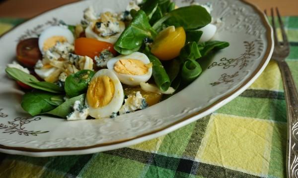 Рецептата Dnes: Салата с бейби спанак и микс от чери домати
