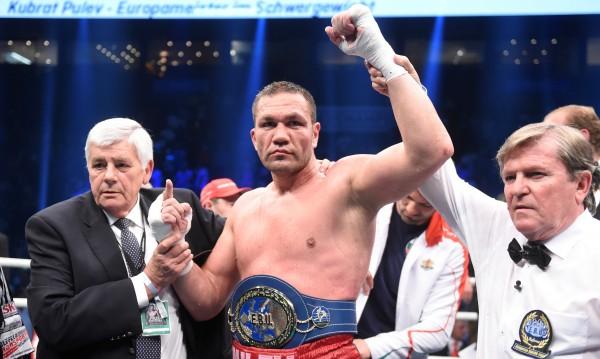 Откаже ли реванш Кличко, Джошуа ще се бие с Кобрата