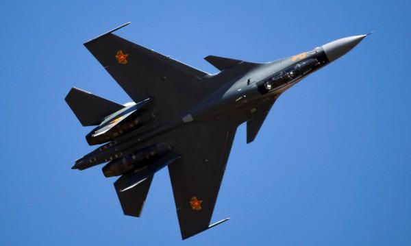 Руски изтребител прехванал US самолет над Черно море