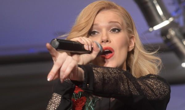 Певицата Нели Петкова обяви, че ще става майка
