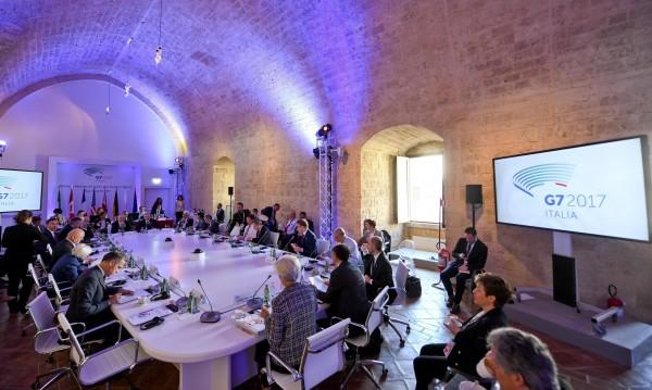 Г-7 с манифест за всеобхватно икономическо развитие