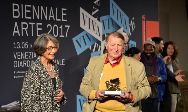 Германия триумфира на Биеналето във Венеция