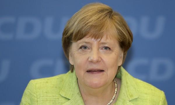 Меркел с ключова победа в Северен Рейн-Вестфалия