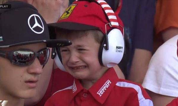 Сълзи и отдаденост! Томас – най-малкият фен на Ferrari