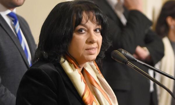 България няма да купува акции на ЧЕЗ, засега