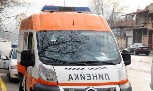 Възрастен велосипедист почина, след като бе блъснат от кола
