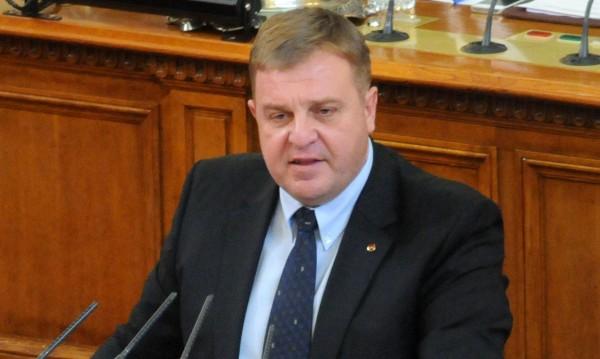 Каракачанов оглави две комисии към Министерския съвет