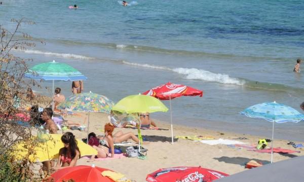 Ангелкова сигурна: Сянката на плажа ще е по-евтина!