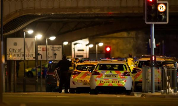 Тереза Мей за ада в Манчестър: Ужасна терористична атака!