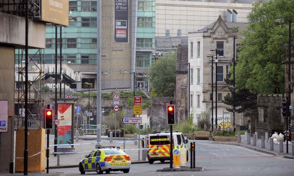 Атентатор самоубиец причинил терора в Манчестър, ИД ликува