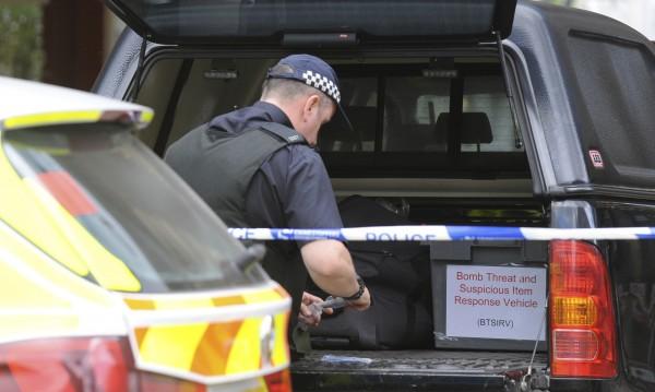 Два ареста в Манчестър, единият е свързан с атентата