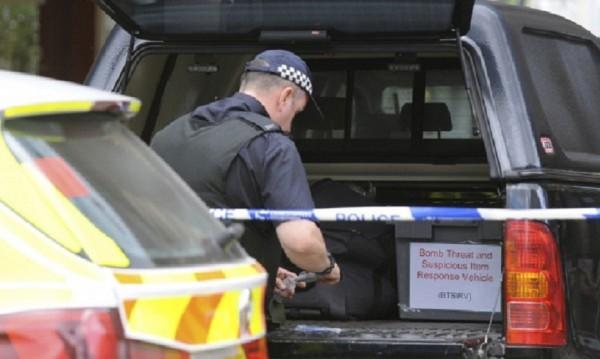 Врив в Манчестър, но контролиран от полицията при обиск