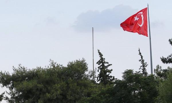 Хванаха трима турски полицаи при опит да преминат у нас