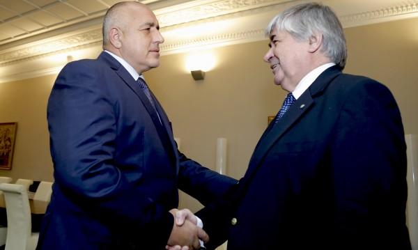 """За азбуката: Борисов """"разходи"""" руския посланик до стара Плиска"""