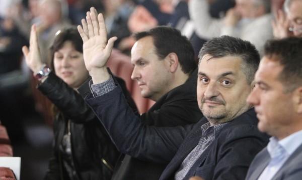 Кирил Добрев го направи: Напусна парламента!