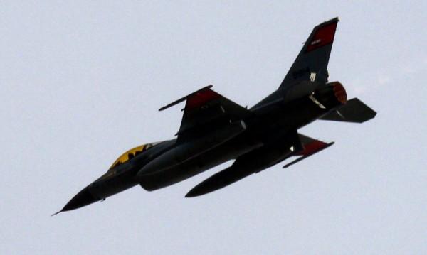 Египет бомбардира обекти в Либия след атаката срещу християни