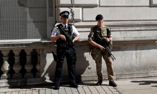 Още арести за бомбения атентат в Манчестър