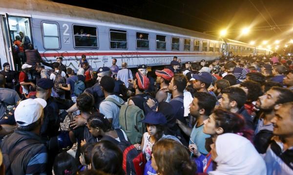 54 мигранти погълна Средиземно море за четири дни