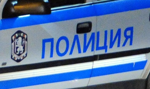 "Полицаи спипаха край ""Траянови врата"" 19 бежанци"