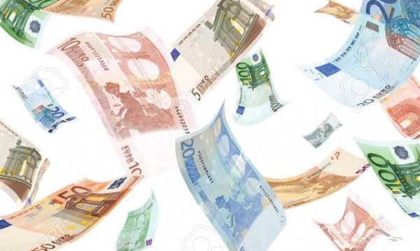 "Мотоциклетист ""пося"" хиляди евро на шосе в Германия"