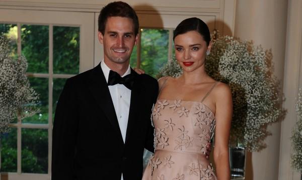Миранда Кер и Евън Шпигел се взеха на скромна сватба