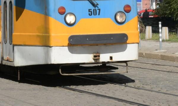 """Ремонтът на трамвайните линии по """"Цар Борис III"""" гълта 40 млн."""