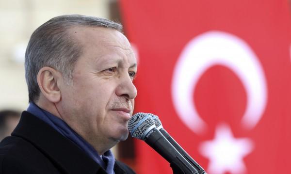Президент, милионер... Ердоган се облажил от сделка с кораби?