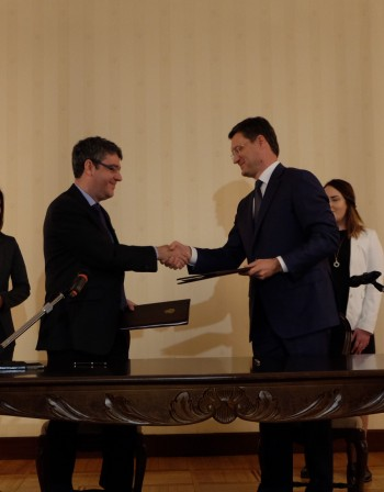 Санкции ли? Испания засилва връзките си с Русия