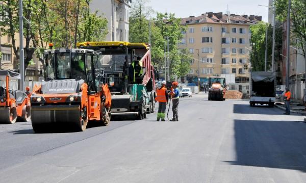 Ремонтите по пътищата в София: С 36 млн. народна пара
