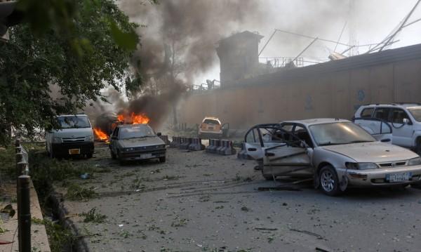 Най-малко 80 загинали и 350 ранени при атентата в Кабул
