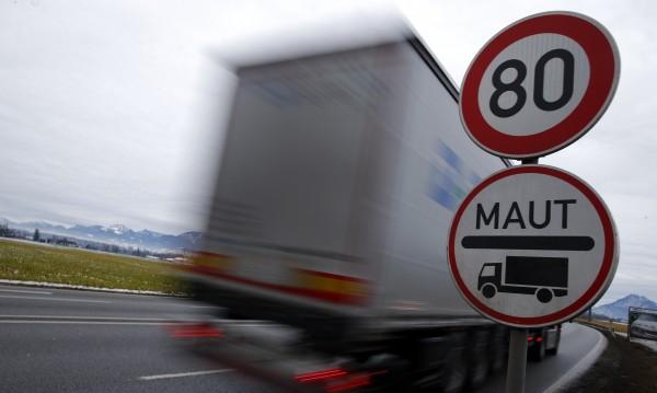 """Брюксел маха винетките в ЕС, пуска данък """"задръстване"""""""