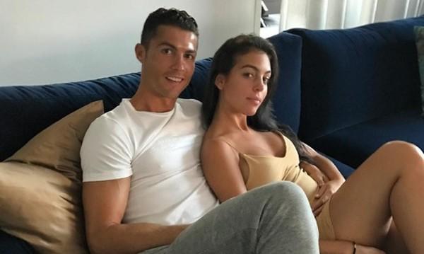 Джорджина ще прави Роналдо баща отново, чакат близнаци