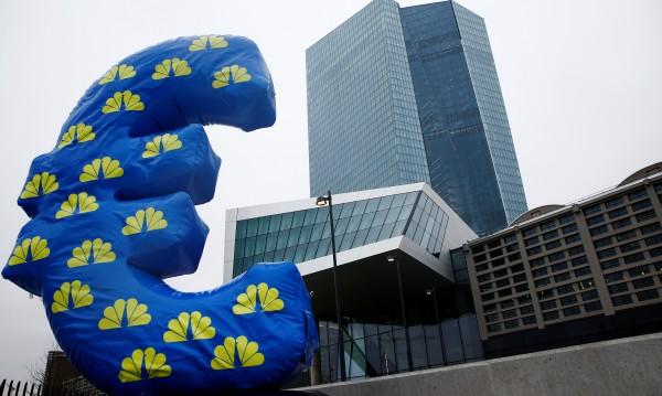 Брюксел: Не ви притискаме за еврото, но побързайте!