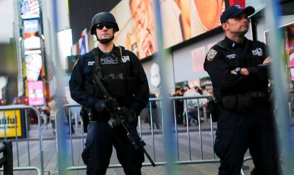 Арестуваха мъж в Тръмп хотел във Вашингтон за оръжие