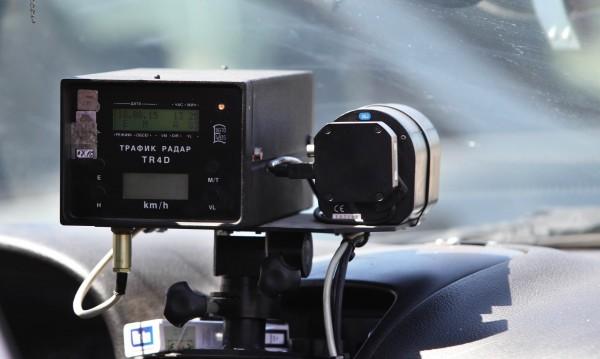 Камера за средна скорост се бъгна – скъпа им била таксата на КАТ