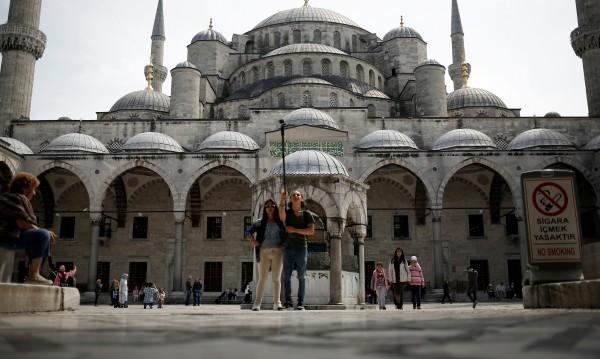 Пет пъти повече руски туристи в Турция през април