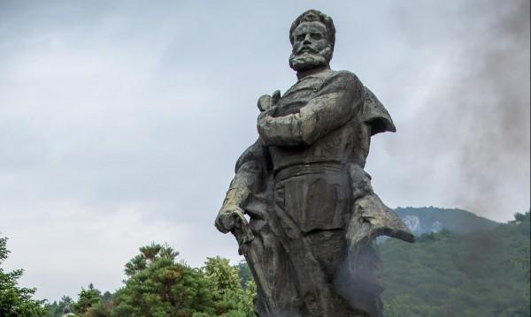 Радев: През 1876 г. храбростта на малцина дари свободата ни!