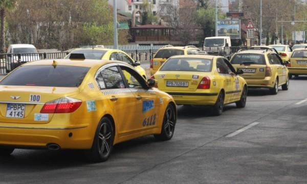 Таксиджии даряват пари за емблемата на ЦСКА-София