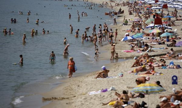 Чешки, полски и германски полицаи на плажа. Не за тен и за ден – пазят!