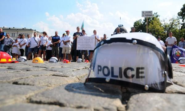 Полицаите в готовност за протест: За по-високи заплати!