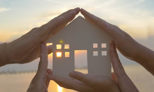 """ЗАД """"Армеец"""" представи обновената си застраховка """"Защитен дом"""" на промоционална лятна цена"""