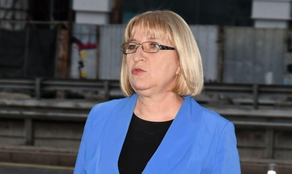 Депутати от БСП тъгуват по Цецка Цачева, понякога им липсвала