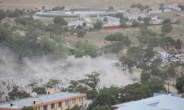 Камикадзета извършили атентата на гробището в Кабул