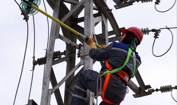 Дали токът ще поскъпне с 1,5% от 1 юли? КЕВР ще реши